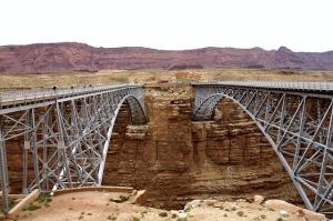 bridges-53714_640